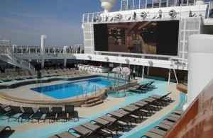 Norwegian Bliss Pooldeck
